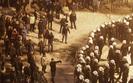Starcia wok� siedziby JSW. Policja strzela�a do zadymiarzy