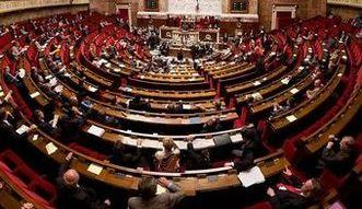 Reforma prawa pracy we Fracji ostatecznie przyjęta