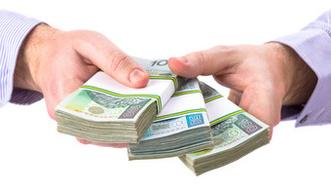 Banki b�d� jak najszybciej pozbywa� si� niesp�acanych d�ug�w. Wszystko przez podatek bankowy