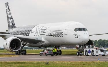 Airbus chce �adowa� ludzi do samolot�w jak baga�