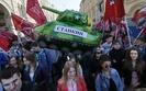 Rosjanie s� w euforii, ale sankcje i reformy zmieni� nastroje