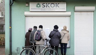 Afera SKOK Wołomin. Syndyk żąda pieniędzy od klientów kasy, ale w jego sprawie śledztwo prowadzi prokuratura