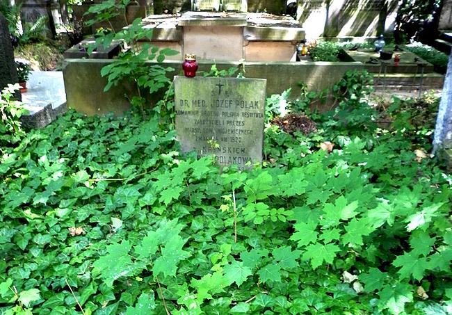 Grób Józefa Polaka na Cmentarzu Powązkowskim