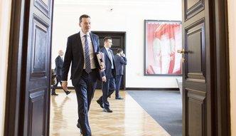 Deficyt budżetowy niższy od planu nawet o ponad 10 mld zł. Najnowsza prognoza Morawieckiego dla gospodarki