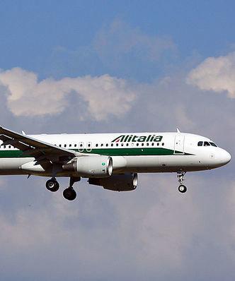 Ryanair i easyJet chcą kupić czołową włoską linię Alitalia