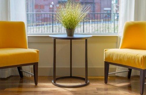 Kupno mieszkania z lokatorem – warto?