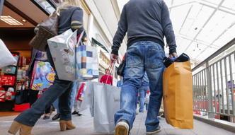 Płace rosną trzy razy szybciej niż ceny. Łatwiej ubierać niż żywić