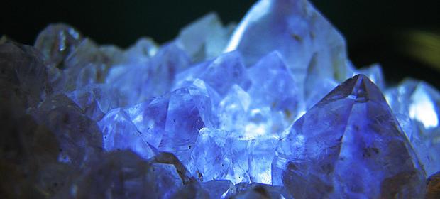 """Jak wynika z danych Światowej Rady Diamentów rynek """"surowych"""" diamentów szacuje się na 16 mld dol"""