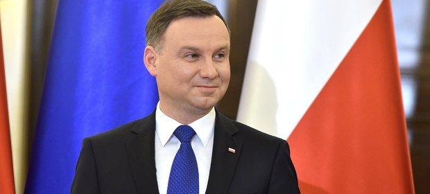 Prezydent Andrzej Duda złożył projekty ustaw, mające pomóc frankowiczom.