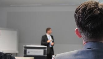 Szkolenia bhp w firmach to często fikcja