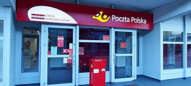 Polacy mają dość Poczty i wybierają paczkomaty.