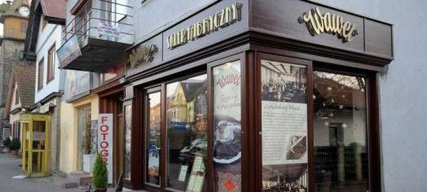 Słodycze firmy Wawel można spotkać w różnych sklepach. Spółka ma jednak też kilkanaście własnych sklepów.