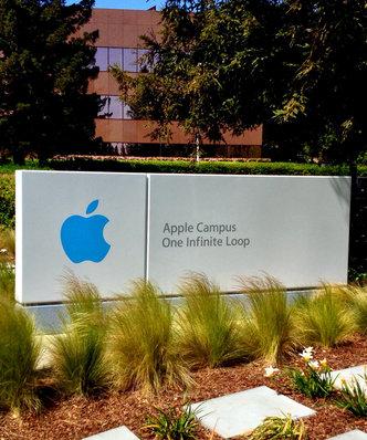 Kurs akcji Apple mocno w dół. Najgorszy tydzień od ponad roku