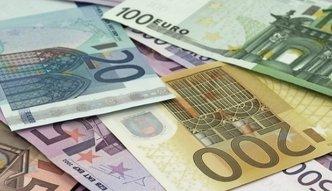 Resort finansów podał dane o saldzie na rachunkach walutowych