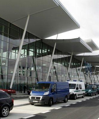 Lotnicze przewozy pasażerskie w górę o 17 proc. ULC podał dane