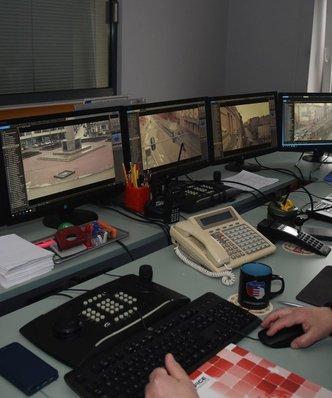 """W banku jak w """"Big Brotherze"""". Urządzenia śledzą, jak długo pracownik jest przy biurku"""