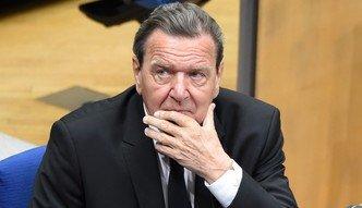 Jako dyrektor w Rosniefcie byłby sługusem Putina. Niemiecka prasa krytykuje Schroedera