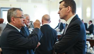 Kto wybuduje w Polsce koleje? Szykuje się starcie w rządzie między Adamczykiem a Morawieckim