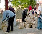Jak rozliczyć zapomogi dla pracowników po powodzi?