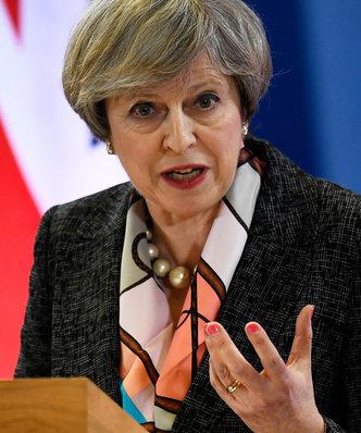 Theresa May na lodzie. Dyrektor strategii odchodzi, a negocjacje z UE wchodzą w krytyczną fazę