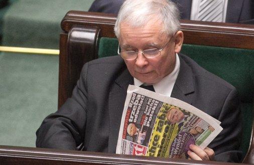 """Lista Kaczyńskiego. Sprawdzamy, które media mogą trafić do """"repolonizacji"""""""