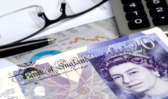 Płacisz podatki? Sporą część z nich możesz odzyskać! Należy Ci się nawet kilkaset funtów!