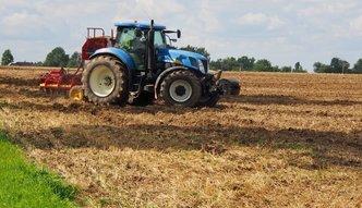 Opłata paliwowa jeszcze nie weszła, a rolnicy już apelują o większe dopłaty