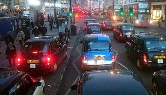 Pracownicy z UE masowo opuszczają Wielką Brytanię. Brakuje rąk do pracy