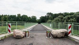 Niemcy zabarykadowali most na granicy z Polską. Nasz reporter sprawdza, co się za tym kryje