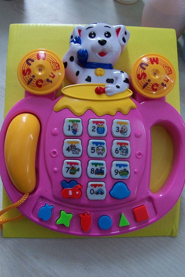"zabawka bateryjna ,,Phone"""